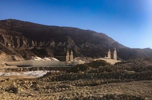修道院利用太阳能节省燃料