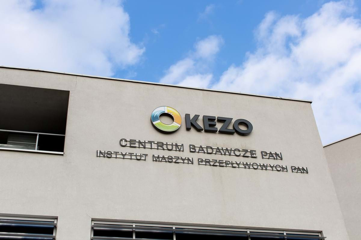 02 Kezo Logo Kezo Case